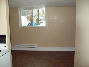 Newly renovated 1 BR on Hazlitt all inclusive for Oct 15th Peterborough Peterborough Area image 6