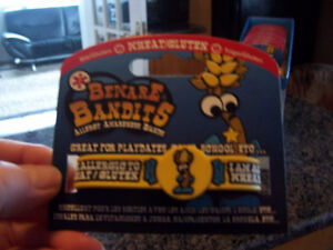 Beware Bandits Wheat/Gluten Allergy Awareness Bands (12 @ Box)