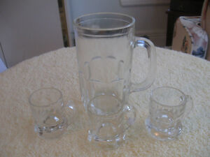 COLLECTOR'S VINTAGE CLEAR GLASS HANDLED MUGS [LARGE & MINI SIZE]