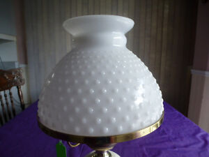 """ANTIQUE MILK GLASS LAMP WITH HOBNAIL SHADE 16"""" Kingston Kingston Area image 4"""