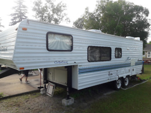 Coachmen Catalina Lites 25 pieds 1999 (fifth wheel)
