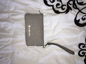 Authentic never used MK wallet