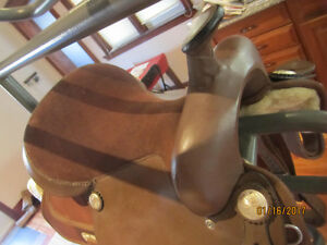 Beautiful Like NEW Quality Horse Saddle- MUST SEE!
