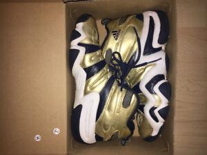 Adidas Kobe Crazy 8 - size 9.