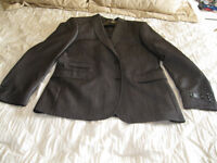 BRAND NEW MENS SUIT SIZE 40 BLAZER AND PANTS SIZE 33