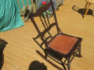 BEAUTIFUL OLD ANTIQUE ROCKING CHAIR