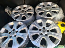 Vauxhall astra 17'' alloys wheels