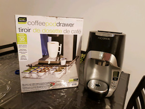 Coffee maker and coffee pod drawer