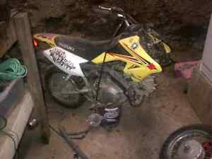 2010 Suzuki dirt bike