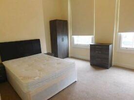Plenty of rooms!!!