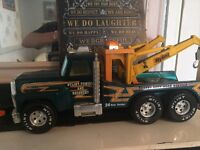 NYLINT TOWING AND RECOVERY TRUCK ( metal and large) and