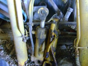 4 hydraulic cylinders from 850 crawler Belleville Belleville Area image 1