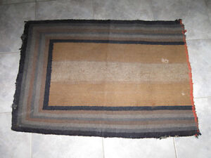 PLAIN & SIMPLE OLD-FASHIONED HOOKED MAT...From the Past!