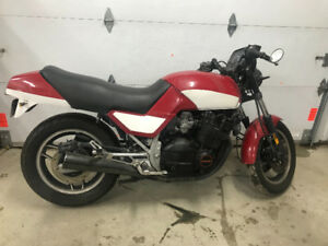 Suzuki GS750 1985