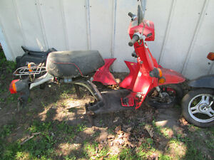 2 1986 honda nq50 spree scooters for parts or rebuild