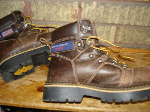 Eagle Scout Sport Hiking Boots boys size 6 Kitchener / Waterloo Kitchener Area image 2