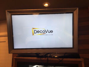 4K Smart TV/Mirror Combo with Android Box