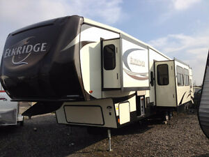 2015 Heartland Elk Ridge 38 Ft T/A 5th Wheel