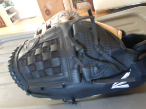 New Leather Easton baseball glove 13'