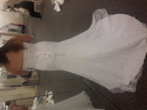 Brand new wedding dress with tags attached! Just purchased sz 20