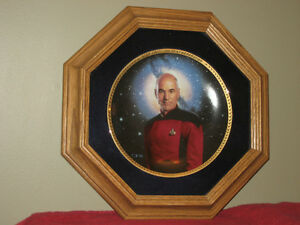STAR TREK TNG Numbered CREW Plate Collection w/Solid Wood Frames