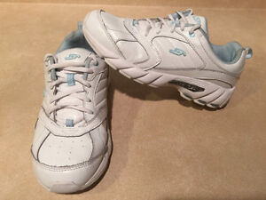 Women's Dr. Scholl's Shoes Size 7 London Ontario image 1