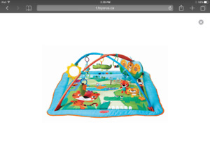Product DescriptionThe Gymini Kick and Play CITY Safari
