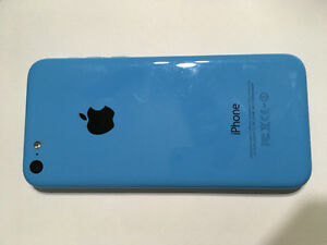 iPhone 5C unlocked- blue 8G with case