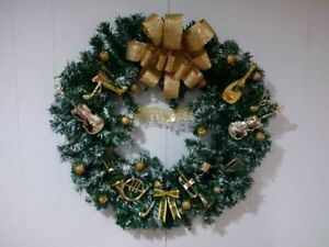 FOR MUSIC LOVERS! LARGE HANDCRAFTED XMAS MUSICAL WREATH $15.00