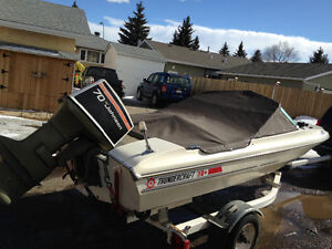 Ready For Water 1977 14' Boat 1982 Ezload Trailer 70HP Johnson.