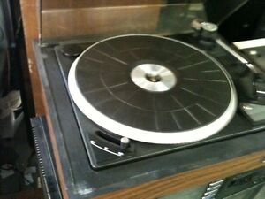 Vintage SANSUI Receiver with a Turntable & Paradigm Speakers London Ontario image 2