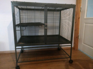 Very Large Critter Nation Cage and Accessories $130