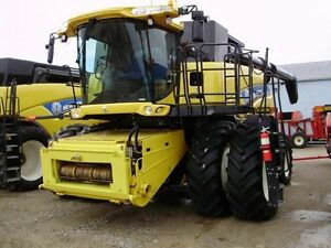 2014 New Holland CR8090 Combine London Ontario image 14