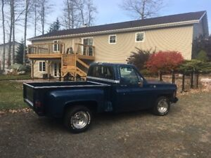 wanted 1973 to 1987 chev 1/2 ton  project or parts trucks