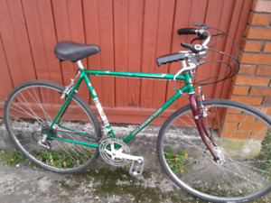 Medium Size ,10 Speed ,Peugeot, Road Bike