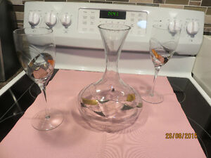Wine decanter and 4 glasses