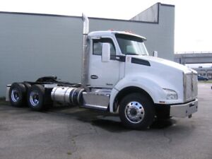 2015 Kenworth T880 daycab tractor