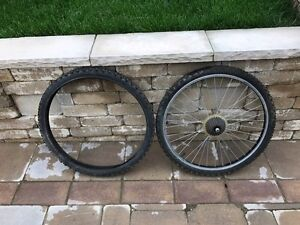 Aluminum rear bycicle wheel and spare tire (26x1.95) London Ontario image 1