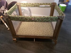 Babys Playpen in Good Condition Dual Level