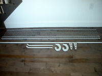 Closet White Wire Mesh Shelf With Rod