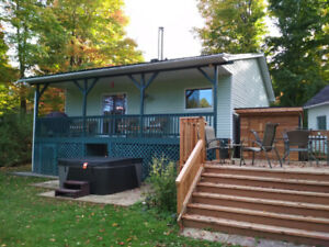 Waterfront cottage for rent (week/weekend) - November Specials!