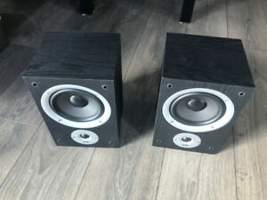 Polk R150 Bookshelf Speakers