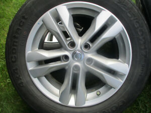 MAGS  NISSAN ROGUE  + TPMS  (  17 ) LIKE NEW