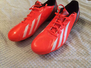 Excellent condition adidas soccer cleats