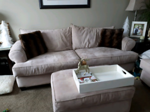 Couch, loveseat and ottoman. GUC