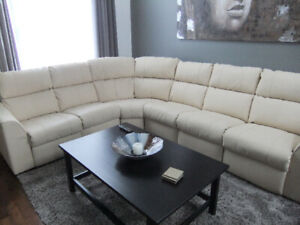 Grand sofa sectionnel inclinable beige marque Palliser