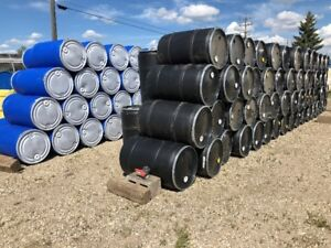 OVER 650 X PLASTIC REMOVABLE LID BARRELS AND STEEL DRUMS
