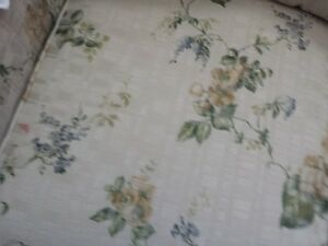 Selling Two Floral cream coloured sofas London Ontario image 3