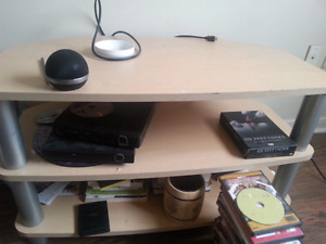 Heavy 3 teir video/audio stand.