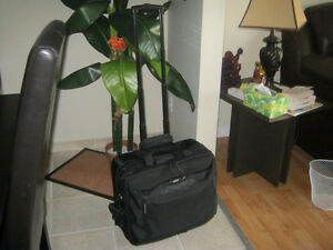 valise sur roulettes pour portable et documents